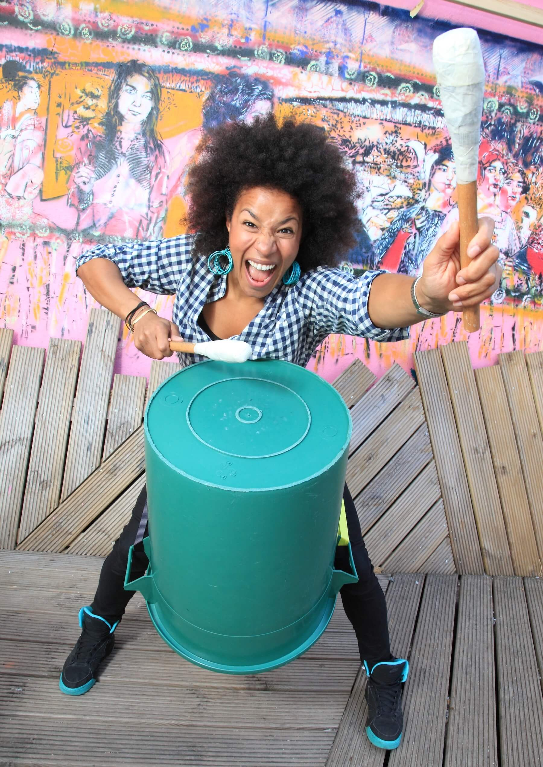 SARAH LASAKI Body Percussion